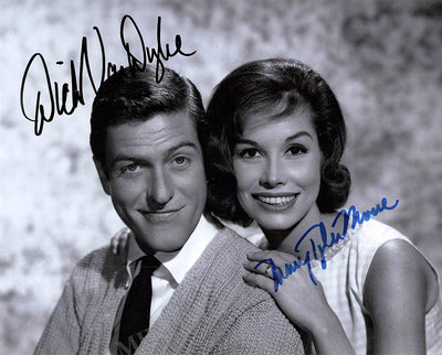"Dyke, Dick van - Tyler Moore, Mary - Double Signed Photo in ""The Dick van Dyke Show"""
