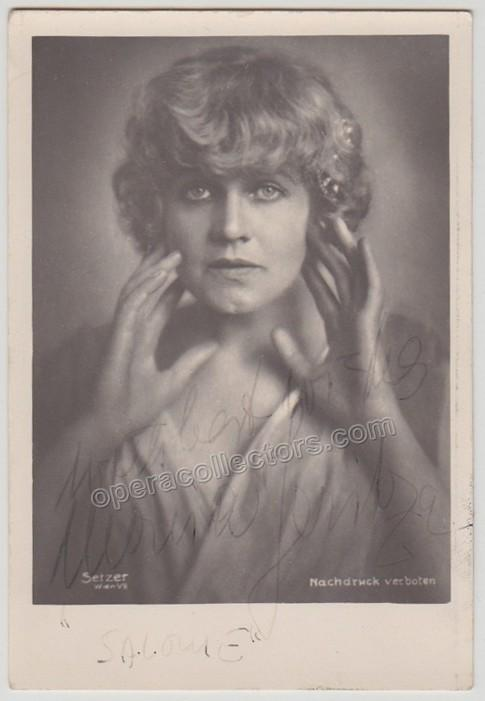 Maria_Jeritza_as_Salome_signed_photo_N2825_W