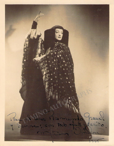 Winslow, Miriam - Signed Photo in Performance 1945
