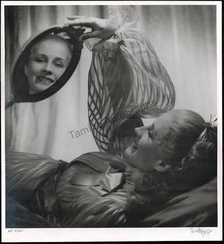 "Shearer, Norma - Large Original Photo in ""Marie Antoinette"" Signed by Photographer Laszlo Willinger"