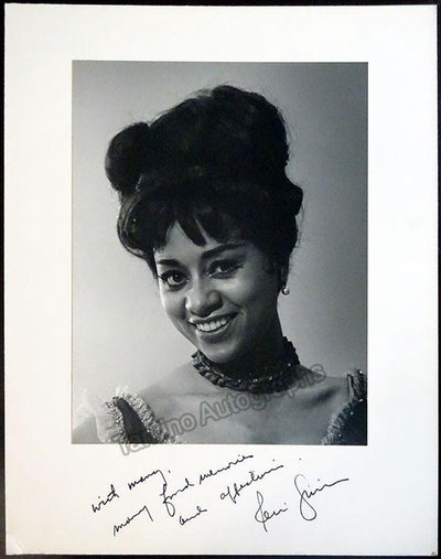Grist, Reri - Large Signed Photo