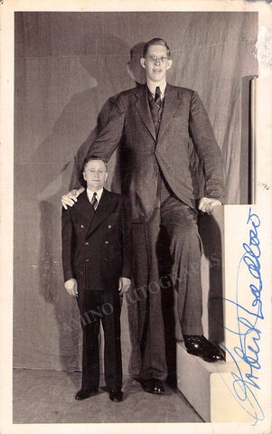 Wadlow, Robert - Signed Photo