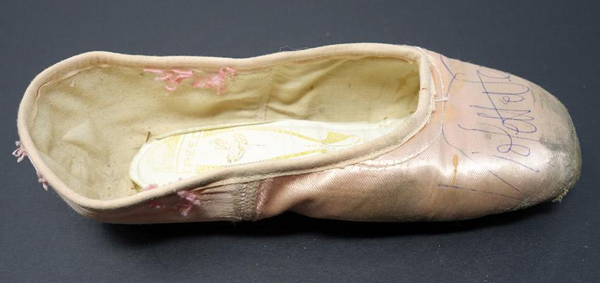 Verdy, Violette - Signed Pointe Shoe