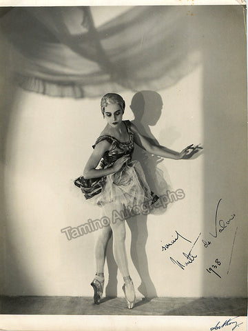 De Valois, Ninette - Signed Photo in Performance 1938 - TaminoAutographs.com