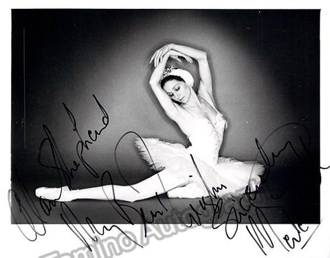 Park, Merle - Signed Photo in Performance