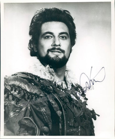 Domingo, Placido - Signed photo in role - TaminoAutographs.com