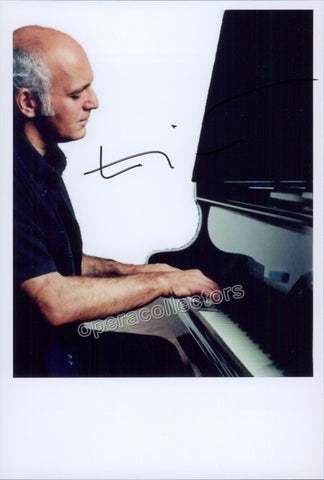 Einaudi, Lodovico - Signed Photo at the Piano - TaminoAutographs.com