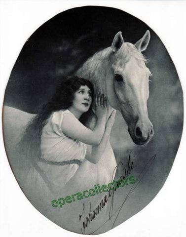 Gadski, Johanna - signed oval photo in unknown role - Tamino Autographs