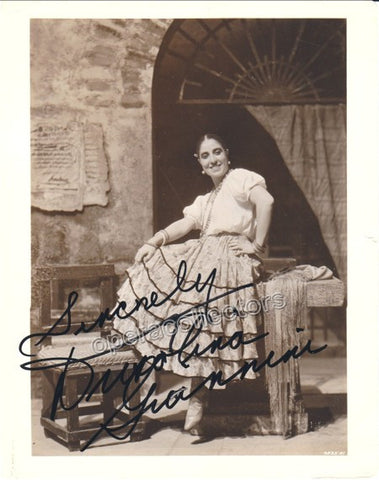 Giannini, Dusolina - Signed Photo as Carmen - Tamino Autographs