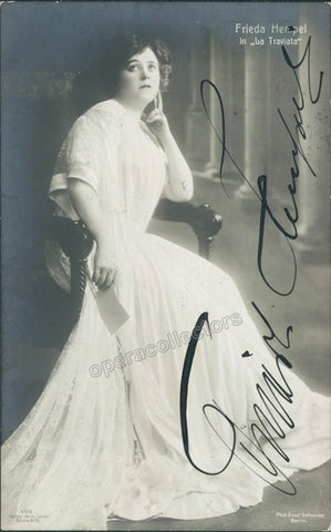 Hempel, Frieda - Signed Photo postcard in La Traviata - Tamino Autographs