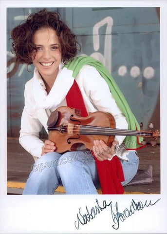 Korsakova, Natasha - Signed photo with violin - Tamino Autographs