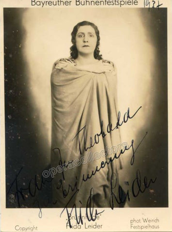 Leider, Frida - Signed photo as Brunnhilde - TaminoAutographs.com