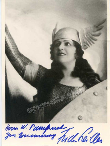 Leider, Frida - Signed Poto as Brunnhilde in Gotterdammerung - TaminoAutographs.com