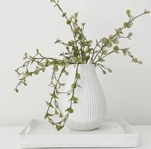 Load image into Gallery viewer, Maple Vase