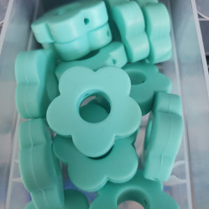 Flowers 28mm silicone beads