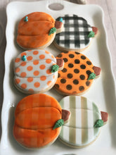 Load image into Gallery viewer, Pumpkin cookies