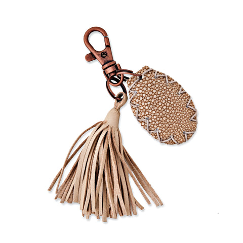 CREAM STINGRAY TASSEL BLESSLEV KEYCHAIN