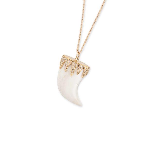 DRIP CAP LION TOOTH NECKLACE