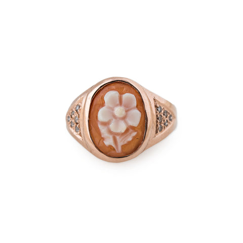 CARVED AGATE ORANGE DAISY CAMEO RING