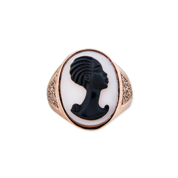 CARVED AGATE ROBYN CAMEO RING