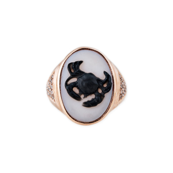 CARVED AGATE CANCER CAMEO RING