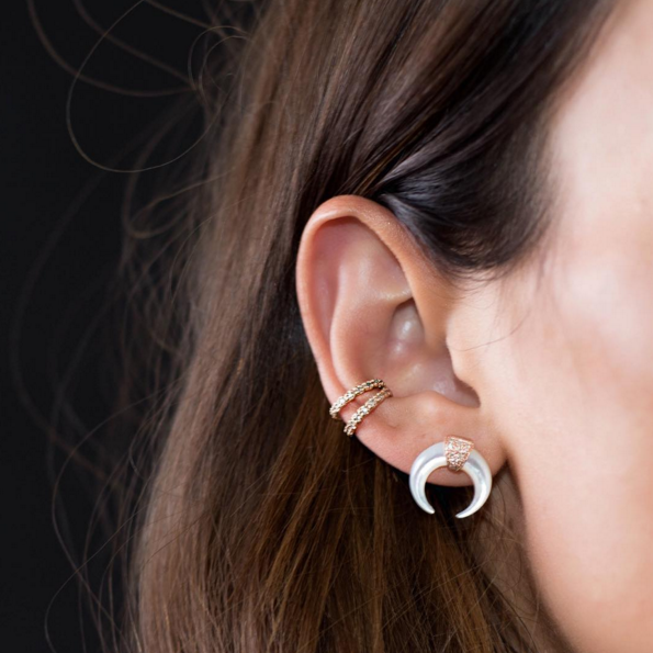 MOTHER OF PEARL MINI DOUBLE HORN STUD