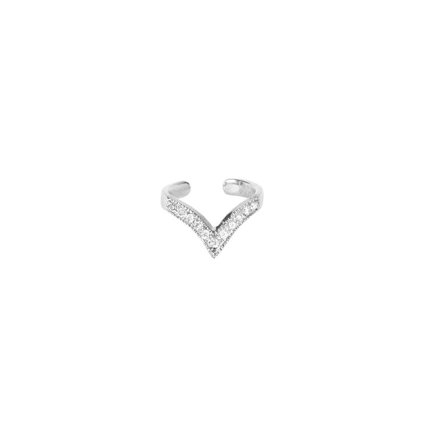 DIAMOND V EAR CUFF