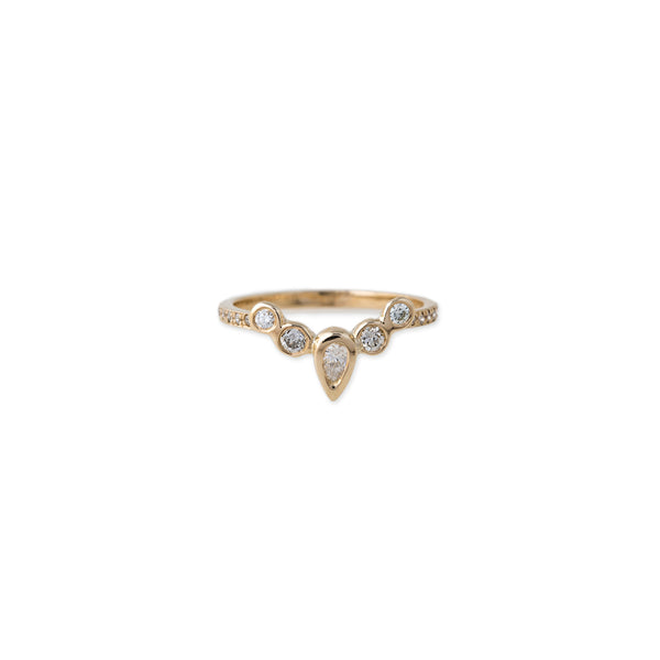 PAVE ROUND AND TEARDROP DIAMOND CURVED BAND