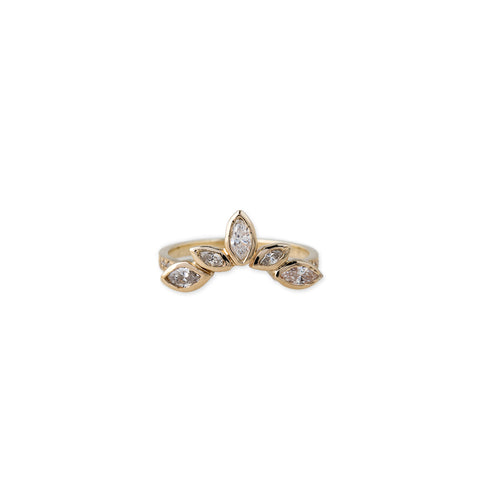 PAVE 5 GRADUATED MARQUISE DIAMOND CURVED BAND
