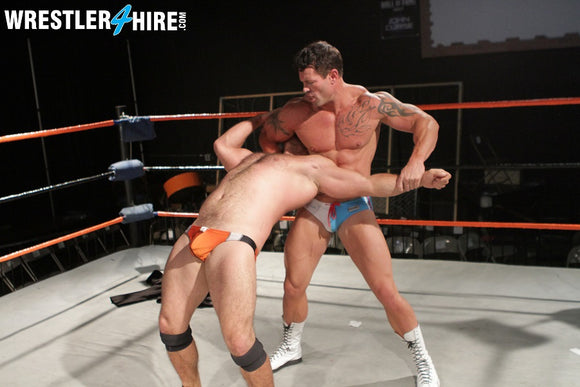 Joey Nux & Max Quivers vs. Guido Genatto (Muscle4Hire)