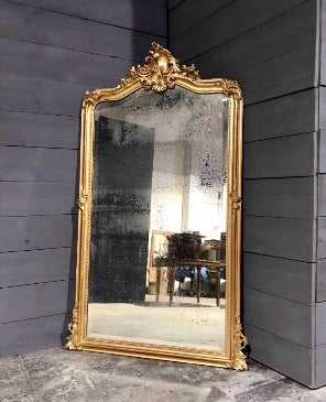 ARRIVAL APRIL 2021  Antique gilt mirror