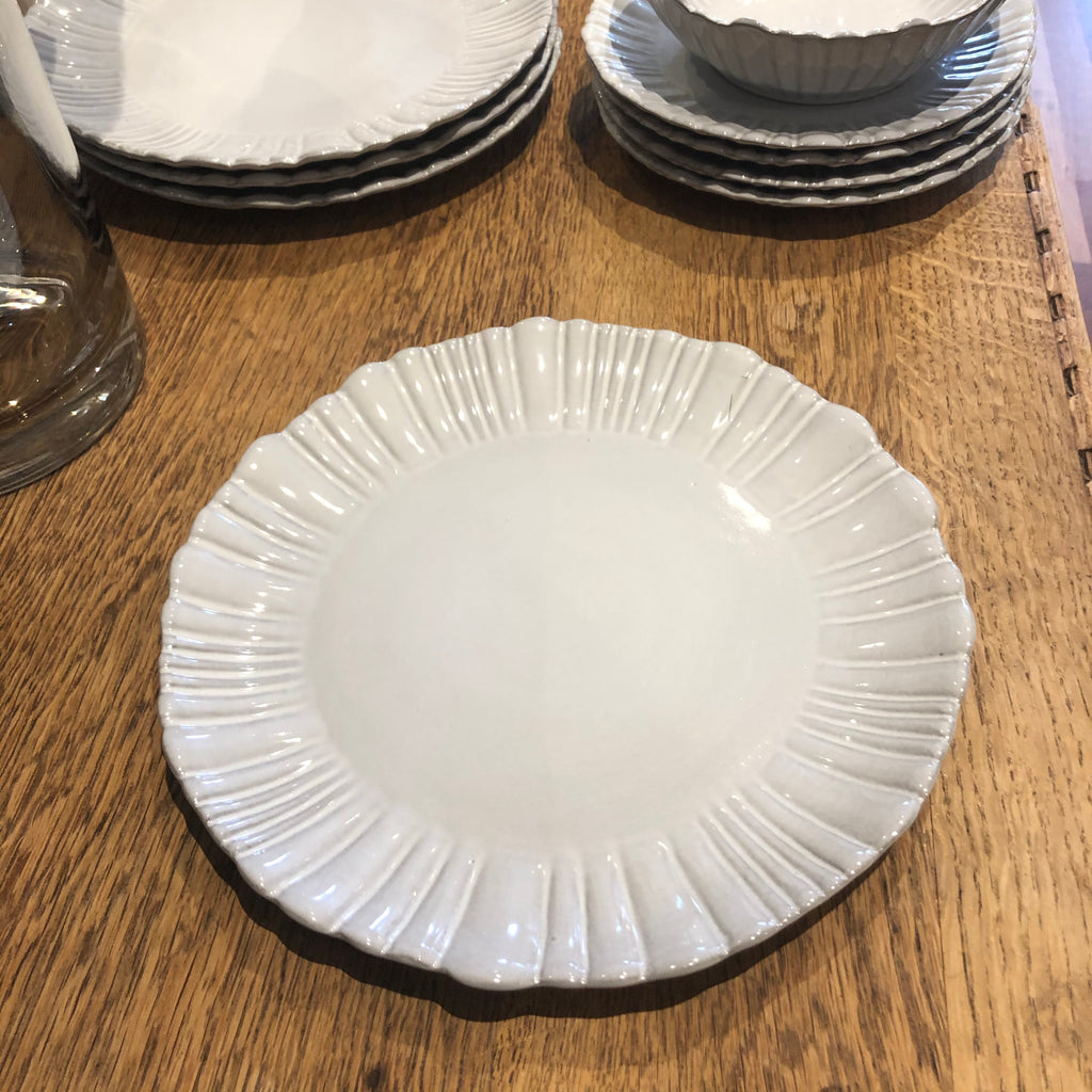 Fluted side plate 20.5cm
