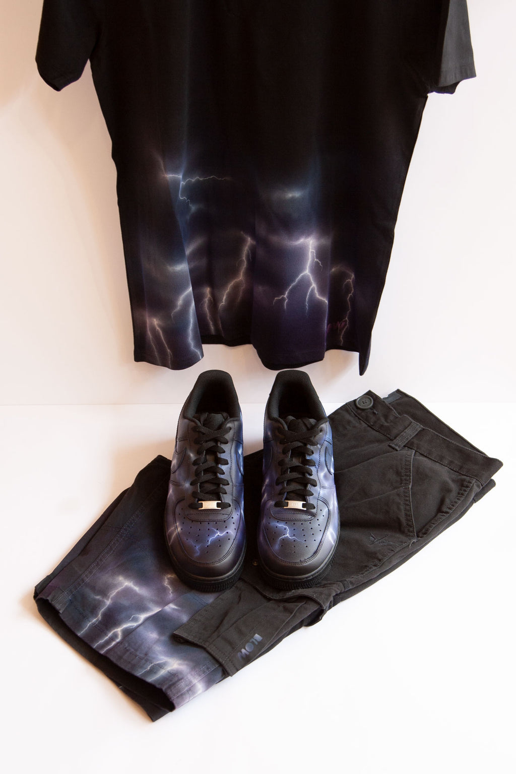 LIGHTNING STORM SET - T-Shirt, Shorts and Nike Air Force Ones