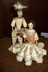 couple personage en coquillage