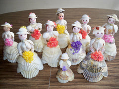 figurines filles en coquillages