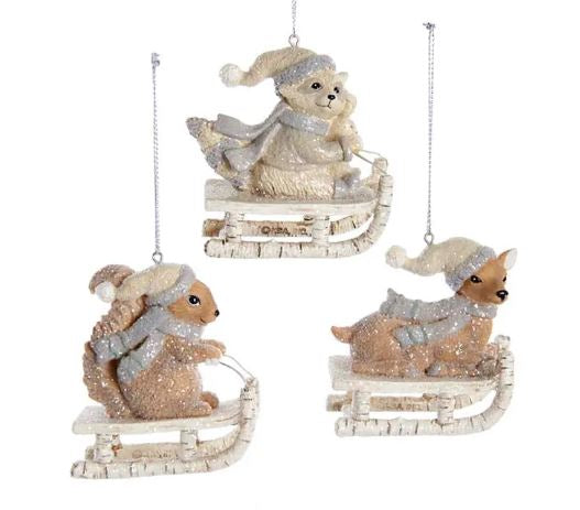 WINTER ANIMAL ON SLED ORNAMENT - RACCOON