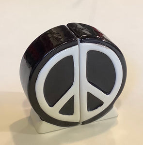 PEACE SIGN SALT & PEPPER SHAKER SET