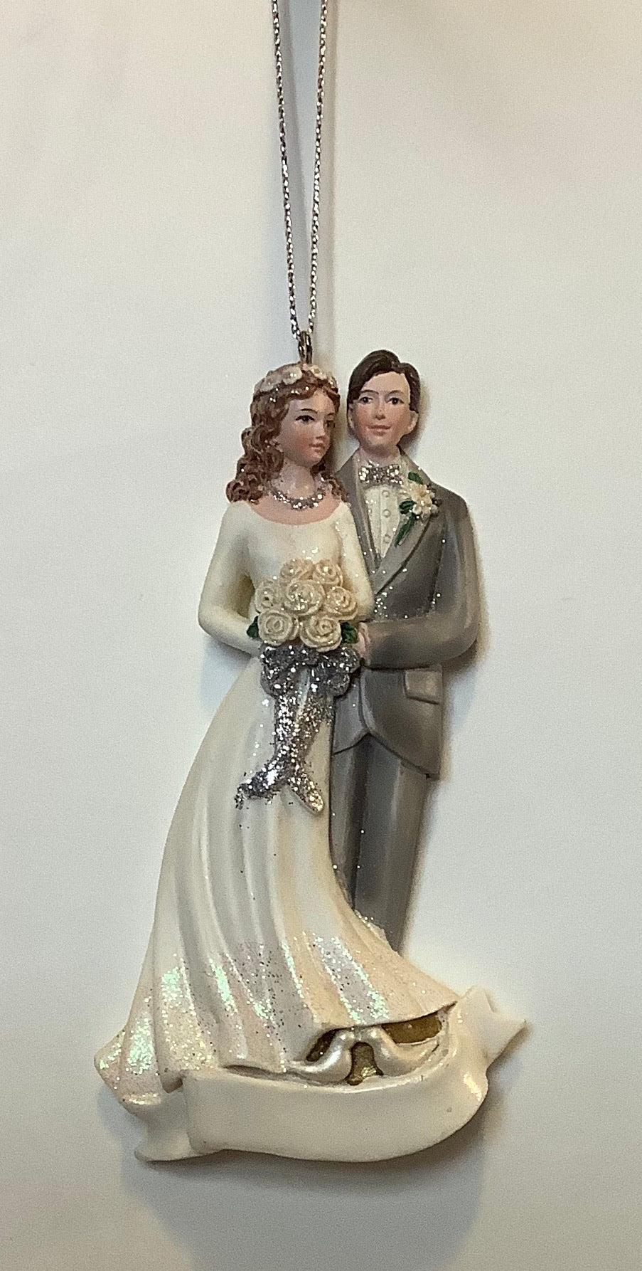 BRIDE & GROOM FORMAL ORNAMENT