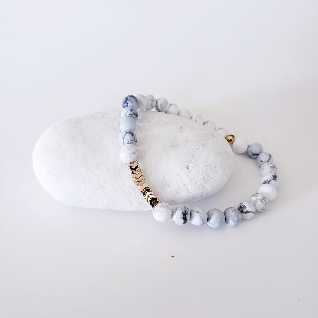 The Makia - White Howlite & Gold Hematite Bracelet - Kokua Collective