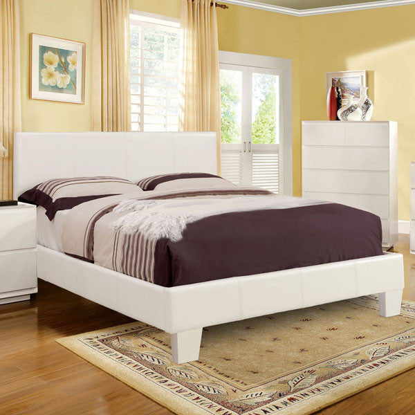 Winn Contemporary Style White Finish Leatherette Platform Bed Frame Set