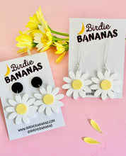 Load image into Gallery viewer, Daisy Dangle Earrings