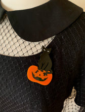 Load image into Gallery viewer, halloween black cat acrylic brooch