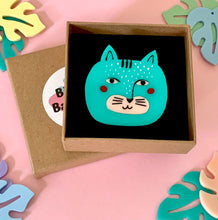 Load image into Gallery viewer, Blue Cat Brooch With Custom Speech Bubble