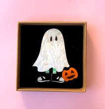 Load image into Gallery viewer, halloween ghost brooch