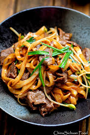 Pan Fried Sliced Beef & Rice Noodle