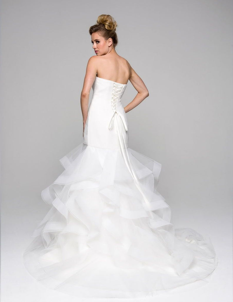 Sweetheart Neckline Sleeveless Long Wedding Dress JT330