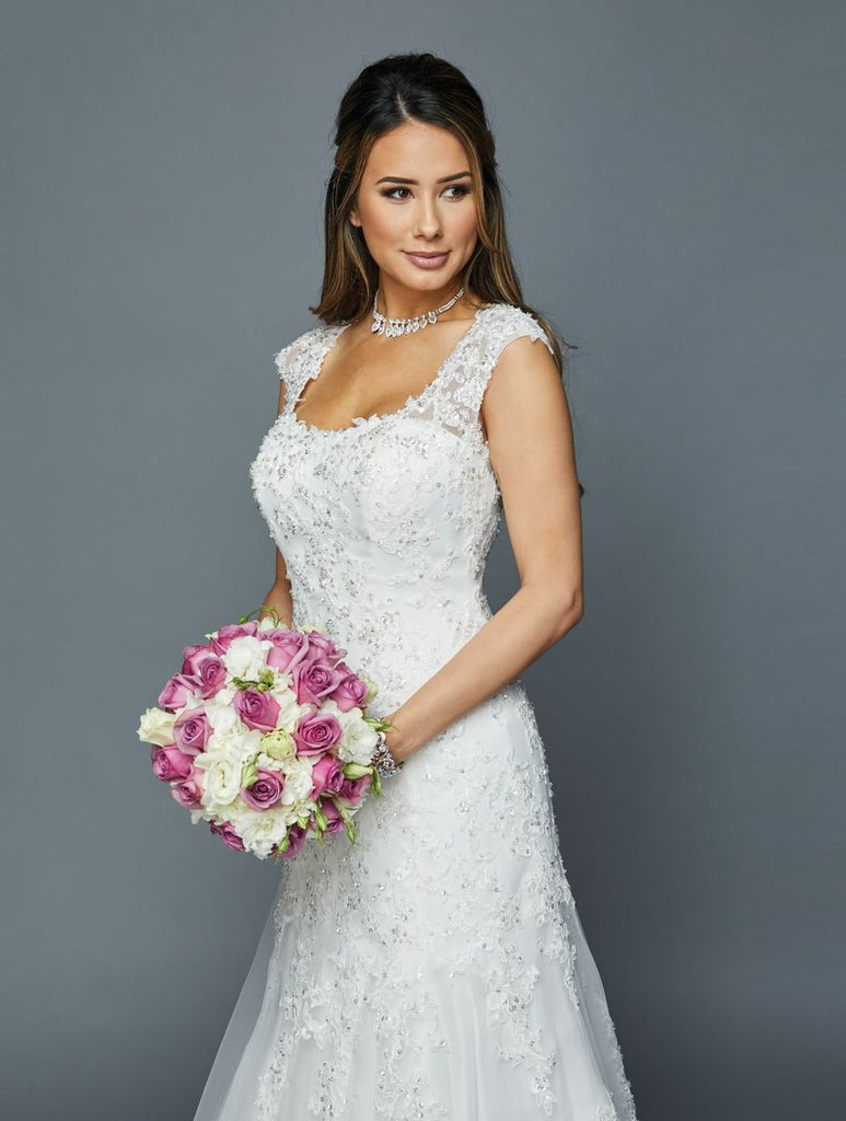 Scoop Neckline Lace Applique Long Wedding Dress JT392