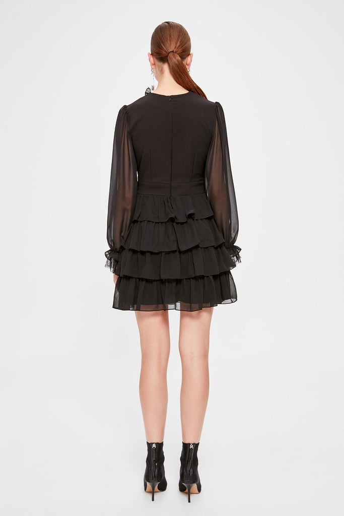 Illusion V-Neckline Long Illusion Sleeve Layered Black Dress TKTPRSS20EL0071