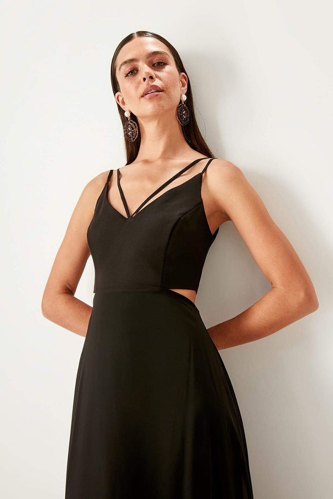 V-Neckline Sleeveless Long Black Evening Dress TKTPRSS19FZ0402