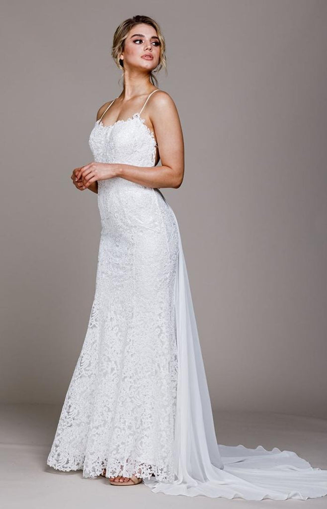 Sweetheart Neckline Sleeveless Long Wedding Dress ACR018